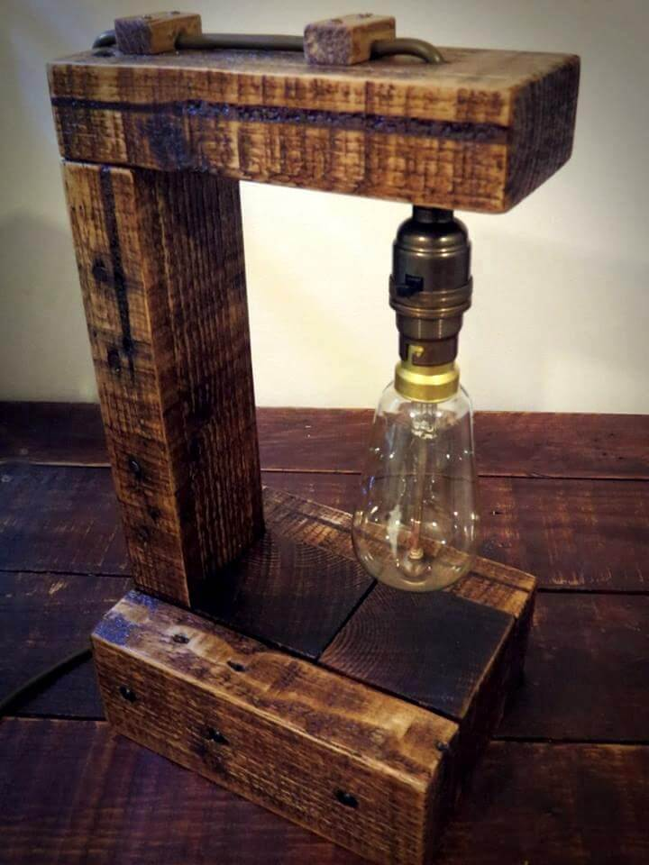 pallet wood table lamp